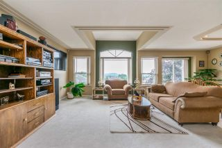 """Photo 4: 7947 TOPPER Drive in Mission: Mission BC House for sale in """"College Heights"""" : MLS®# R2381617"""