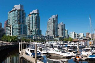 """Photo 33: 2005 590 NICOLA Street in Vancouver: Coal Harbour Condo for sale in """"The Cascina - Waterfront Place"""" (Vancouver West)  : MLS®# R2556360"""