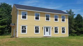 Photo 1: 361 Moody Court in Kingston: 404-Kings County Residential for sale (Annapolis Valley)  : MLS®# 201916720