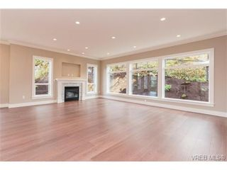 Photo 4: 3649 Coleman Pl in VICTORIA: Co Latoria House for sale (Colwood)  : MLS®# 685080