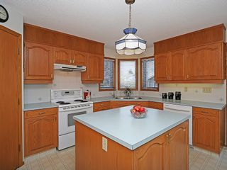 Photo 3: 359 HAWKCLIFF Way NW in Calgary: Hawkwood House for sale : MLS®# C4116388