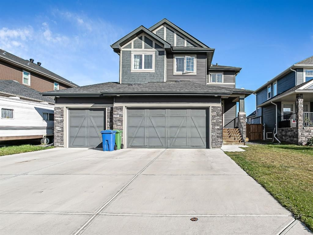 Main Photo: 203 Boulder Creek Bay SE: Langdon Detached for sale : MLS®# A1149788