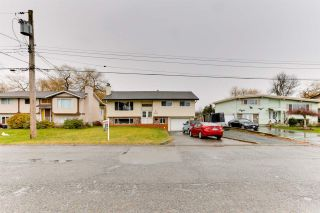 Photo 4: 9262 JAMES Street in Chilliwack: Chilliwack E Young-Yale House for sale : MLS®# R2539829
