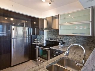 Photo 3: 1107 888 PACIFIC Street in Vancouver West: Yaletown Home for sale ()  : MLS®# V1033821