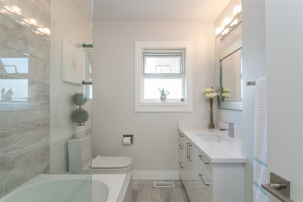 Photo 6: Photos: 3566 MOSCROP STREET in Vancouver: Collingwood VE House for sale (Vancouver East)  : MLS®# R2011358