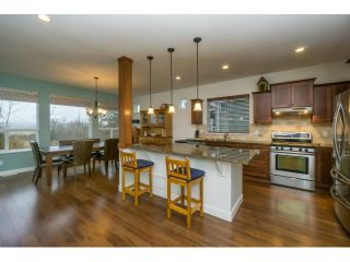 Photo 2: 7083 177A STREET in Surrey: Cloverdale BC House for sale (Cloverdale)  : MLS®# R2034691