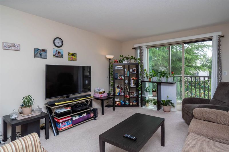 FEATURED LISTING: 318 - 15288 100 Avenue Surrey