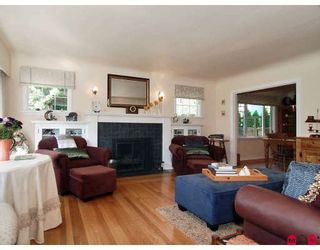 "Photo 4: 8812 GLOVER Road in Langley: Fort Langley House for sale in ""FORT LANGLEY"" : MLS®# F2829359"