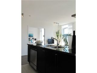 """Photo 6: 1807 1001 HOMER Street in Vancouver: Yaletown Condo for sale in """"The Bentley"""" (Vancouver West)  : MLS®# V1076353"""