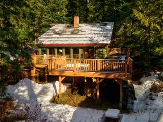 "Photo 34: 8361 VALLEY Drive in Whistler: Alpine Meadows House for sale in ""Alpine Meadows"" : MLS®# R2522011"