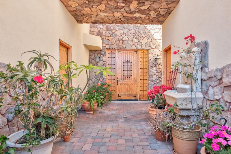FEATURED LISTING: 2176 Balfour Ct San Diego