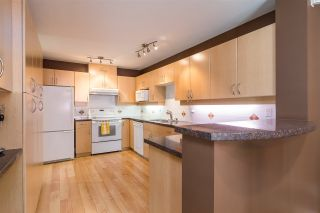 "Photo 2: 17 13918 58 Avenue in Surrey: Panorama Ridge Townhouse for sale in ""Alder Park"" : MLS®# R2393789"