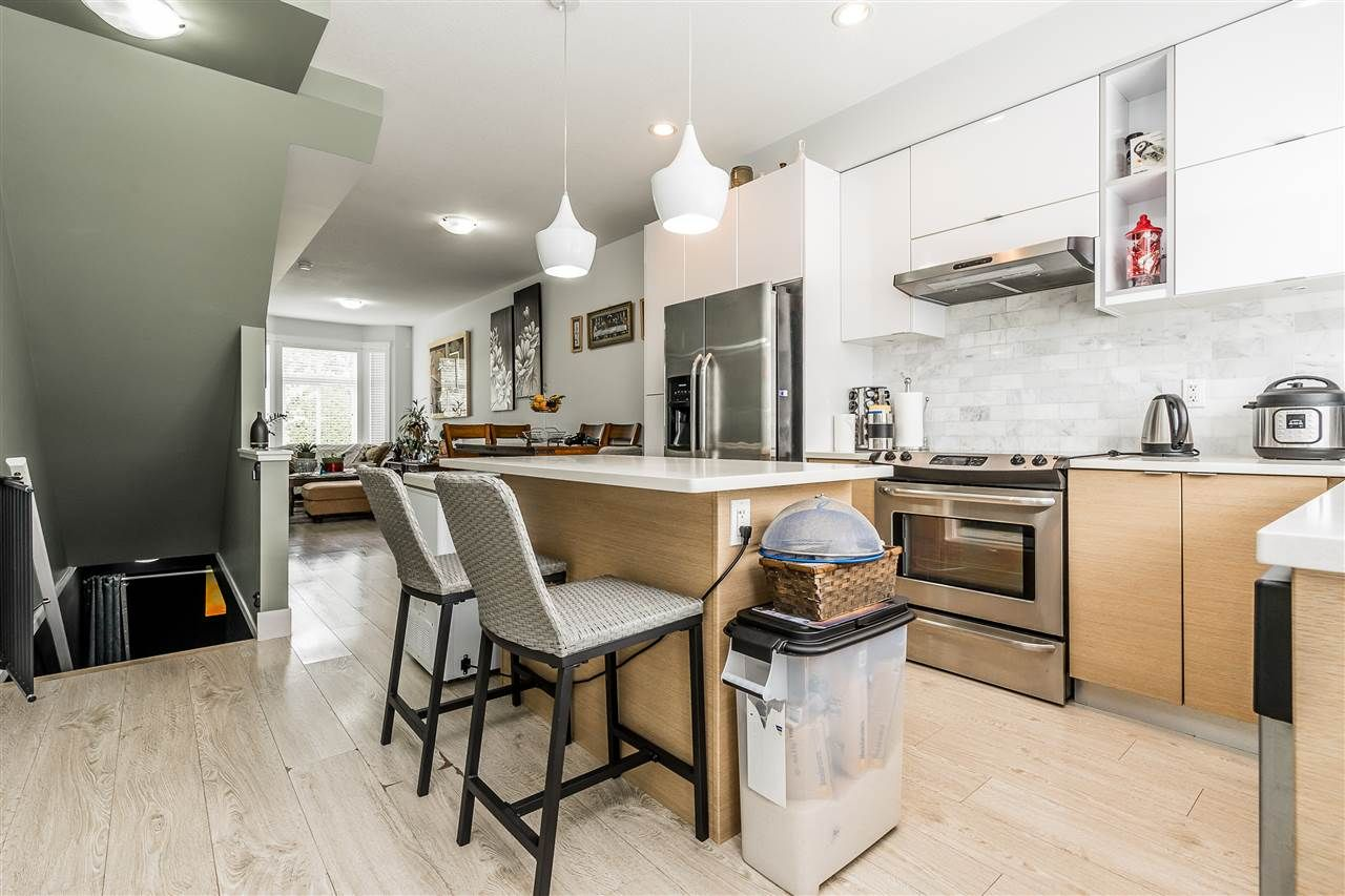 """Photo 12: Photos: 23 14433 60 Avenue in Surrey: Sullivan Station Townhouse for sale in """"BRIXTON"""" : MLS®# R2463220"""