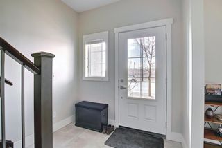 Photo 5: 444 Quarry Way SE in Calgary: Douglasdale/Glen Row/Townhouse for sale : MLS®# A1094767