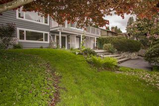 Photo 3: 1386 LAWSON AVE in West Vancouver: Ambleside House for sale : MLS®# R2057187