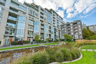 """Photo 32: TH117 1288 MARINASIDE Crescent in Vancouver: Yaletown Townhouse for sale in """"Crestmark I"""" (Vancouver West)  : MLS®# R2625173"""