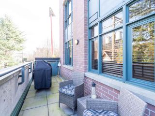 """Photo 32: 211 2665 W BROADWAY in Vancouver: Kitsilano Condo for sale in """"MAGUIRE BUILDING"""" (Vancouver West)  : MLS®# R2550864"""