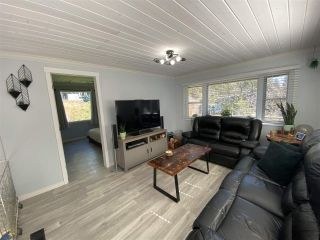 Photo 9: 8143 CEDARWOOD Road in Halfmoon Bay: Halfmn Bay Secret Cv Redroofs Manufactured Home for sale (Sunshine Coast)  : MLS®# R2560997