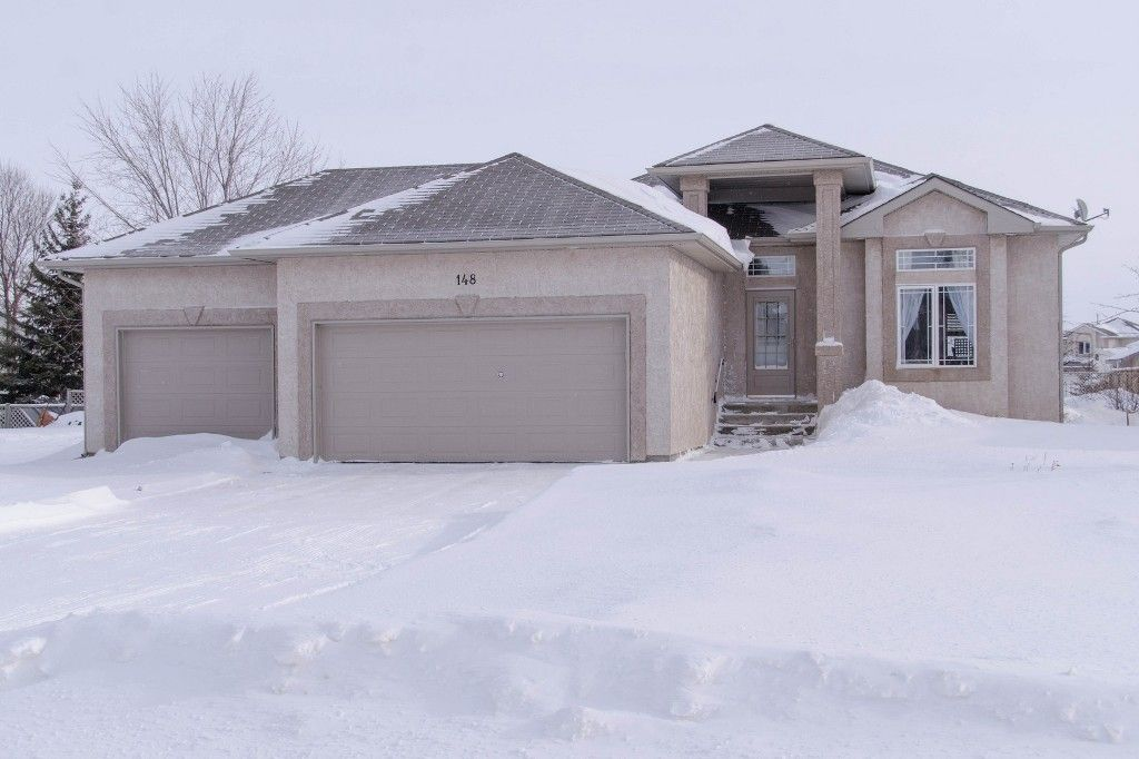 Main Photo: 148 Holly Drive in Oakbank: Single Family Detached for sale : MLS®# 1401509