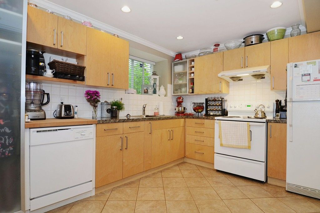 Photo 15: Photos: 3667 DUNBAR Street in Vancouver: Dunbar House for sale (Vancouver West)  : MLS®# V1080025