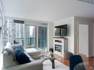 """Photo 11: 1006 1189 MELVILLE Street in Vancouver: Coal Harbour Condo for sale in """"The Melville"""" (Vancouver West)  : MLS®# R2519341"""