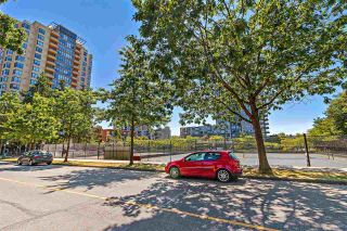 "Photo 14: 704 3455 ASCOT Place in Vancouver: Collingwood VE Condo for sale in ""QUEENS COURT"" (Vancouver East)  : MLS®# R2575518"