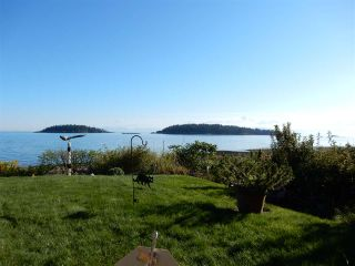 """Photo 20: 6499 WILDFLOWER Place in Sechelt: Sechelt District House for sale in """"Wakefield - Second Wave"""" (Sunshine Coast)  : MLS®# R2030921"""