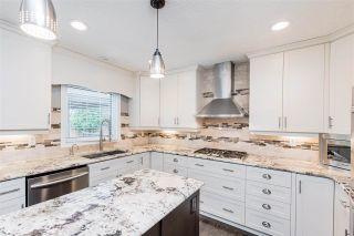 Photo 9: 215 HEAGLE Crescent in Edmonton: Zone 14 House for sale : MLS®# E4241702