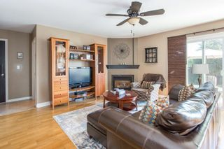 Photo 3: 19592 SOMERSET DRIVE in Pitt Meadows: Mid Meadows House for sale : MLS®# R2281493