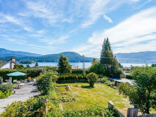 Photo 5: 612 BAYCREST Drive in North Vancouver: Dollarton House for sale : MLS®# R2616316