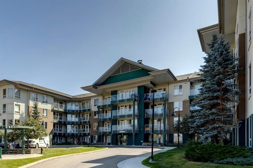 Main Photo: 235 3111 34 Avenue NW in Calgary: Varsity Apartment for sale : MLS®# A1140227