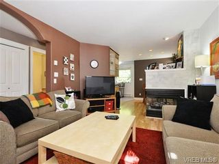 Photo 5: 4 2633 Shelbourne St in VICTORIA: Vi Jubilee Row/Townhouse for sale (Victoria)  : MLS®# 741791