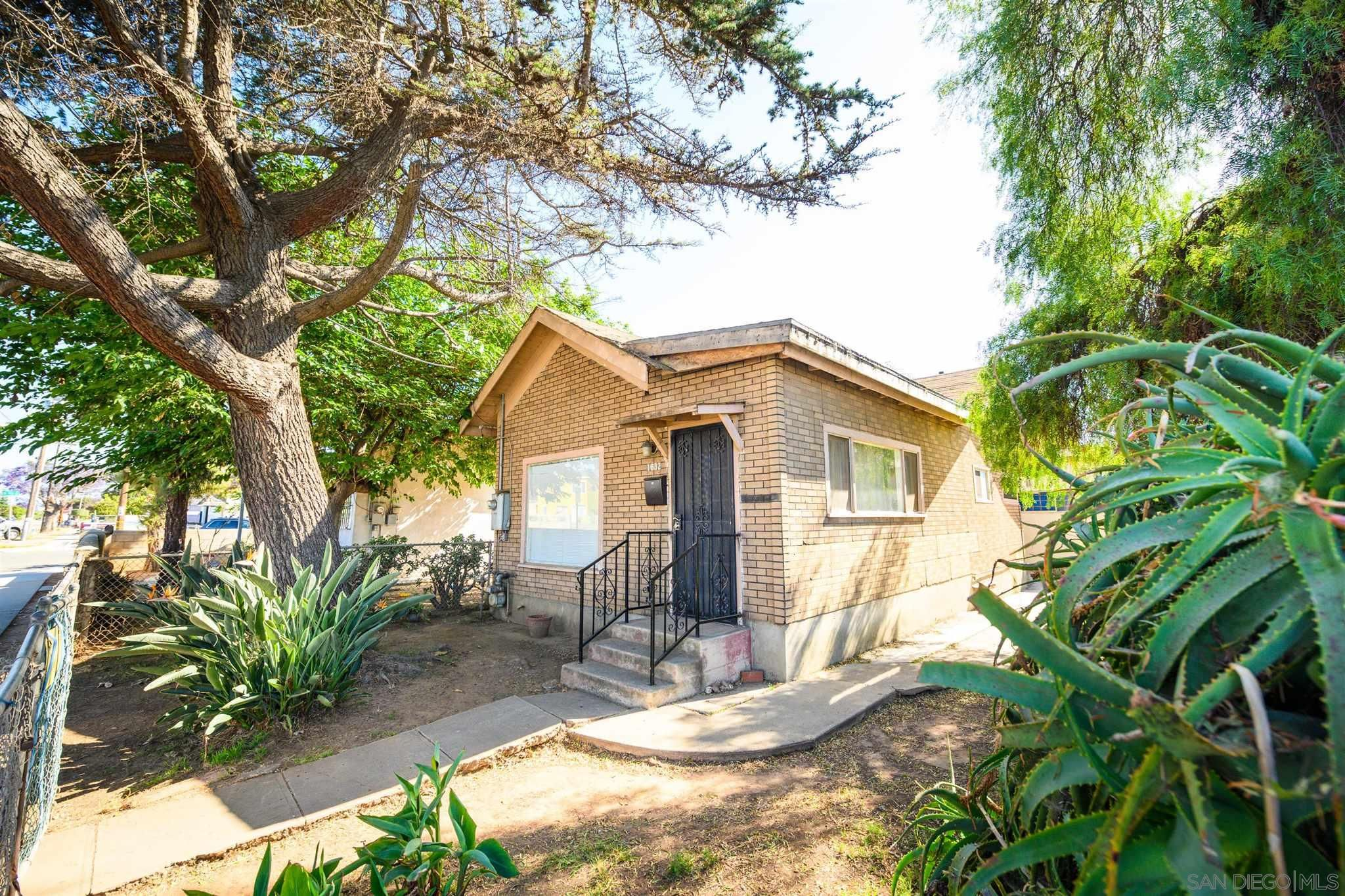Main Photo: NATIONAL CITY House for sale : 1 bedrooms : 1630-32 Harding Ave