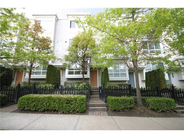 """Main Photo: 6717 VILLAGE Grove in Burnaby: Highgate Townhouse for sale in """"THE MONTEREY"""" (Burnaby South)  : MLS®# V952131"""