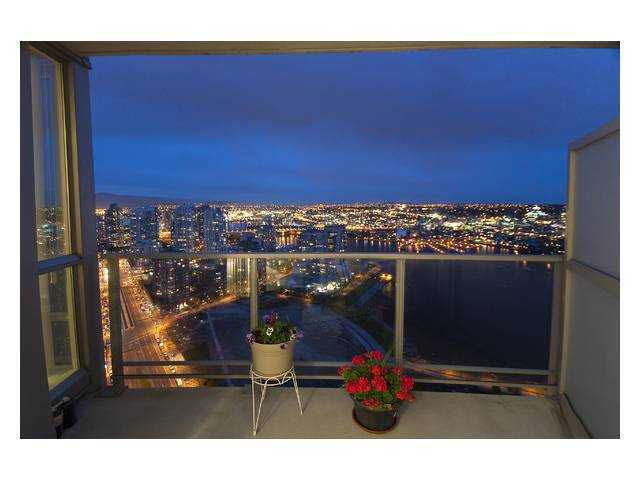 Main Photo: 3907 1408 STRATHMORE MEWS in : Yaletown Condo for sale : MLS®# V840152