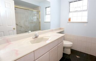 Photo 12: 2169 E 48TH Avenue in Vancouver: Killarney VE House for sale (Vancouver East)  : MLS®# R2156457