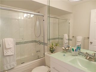 Photo 7: 1 5635 LADNER TRUNK Road in Ladner: Hawthorne Condo for sale : MLS®# V946292