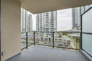 """Photo 14: 704 2959 GLEN Drive in Coquitlam: North Coquitlam Condo for sale in """"The Parc"""" : MLS®# R2337511"""