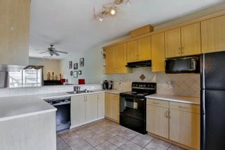 """Photo 6: 26 18181 68 Avenue in Surrey: Cloverdale BC Townhouse for sale in """"Magnolia"""" (Cloverdale)  : MLS®# R2061851"""
