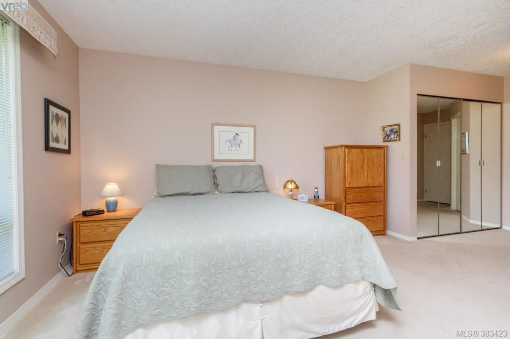 Photo 10: Photos: 20 3049 Brittany Dr in VICTORIA: Co Sun Ridge Row/Townhouse for sale (Colwood)  : MLS®# 770629