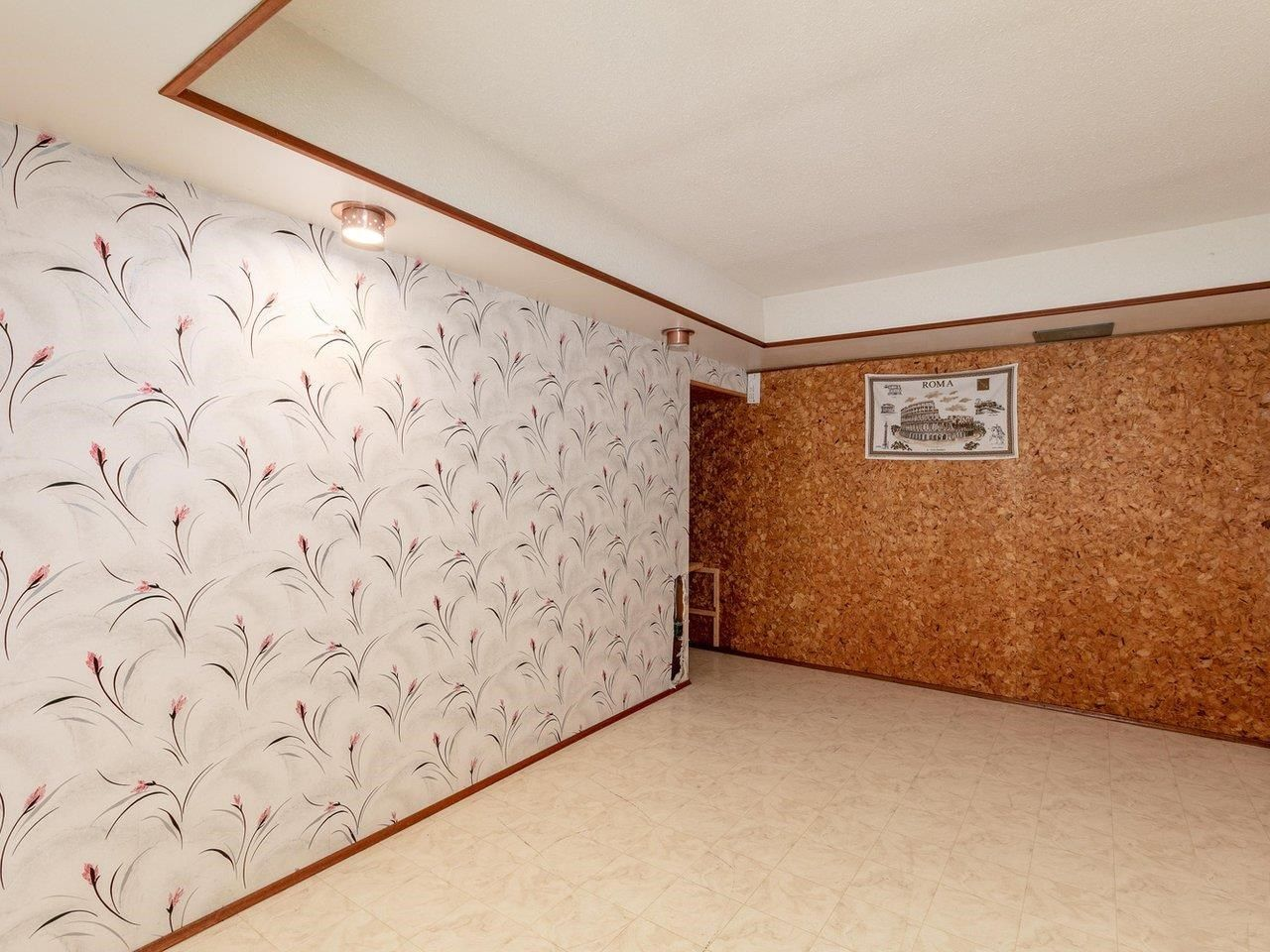 Photo 15: Photos: 6860 HYCREST Drive in Burnaby: Montecito House for sale (Burnaby North)  : MLS®# R2594917