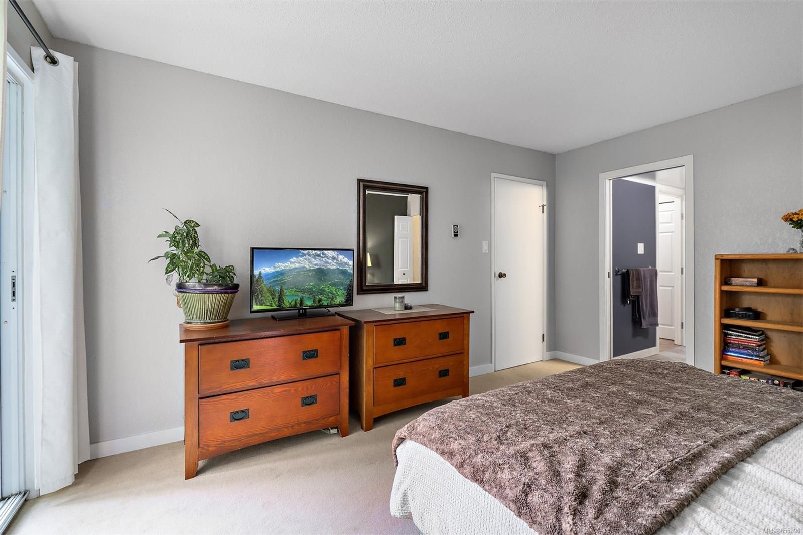 Photo 24: Photos: 308 1060 Linden Ave in : Vi Rockland Condo for sale (Victoria)  : MLS®# 855396