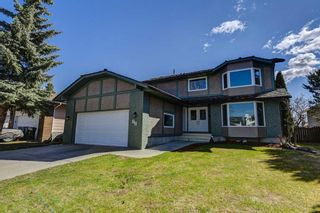 Photo 1: 20 Woodfield Road SW in Calgary: Woodbine Detached for sale : MLS®# A1100408