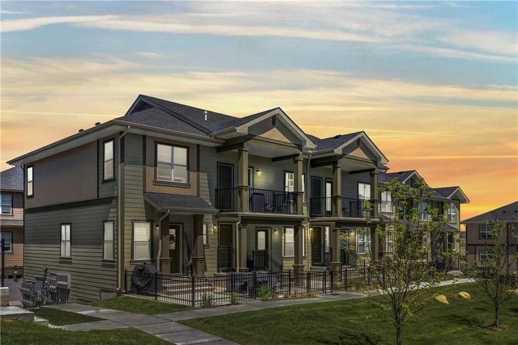 Main Photo: 139 EVANSCREST Gardens NW in Calgary: Evanston Row/Townhouse for sale : MLS®# A1032490