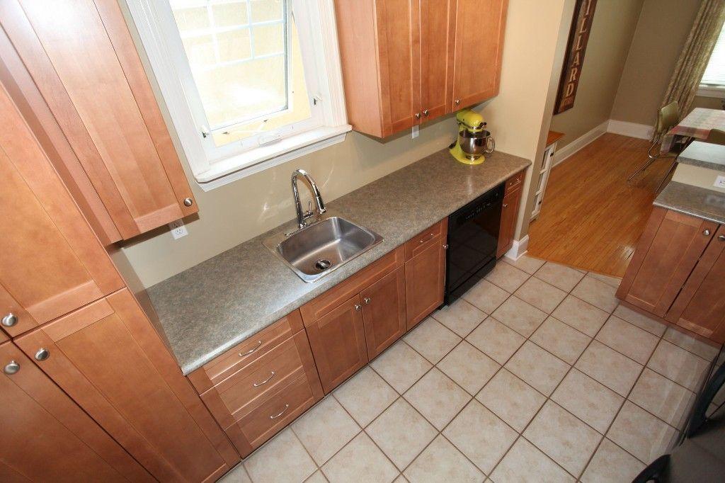 Photo 9: Photos: 233 Sherburn Street in Winnipeg: Wolseley Single Family Detached for sale (West Winnipeg)  : MLS®# 1412734
