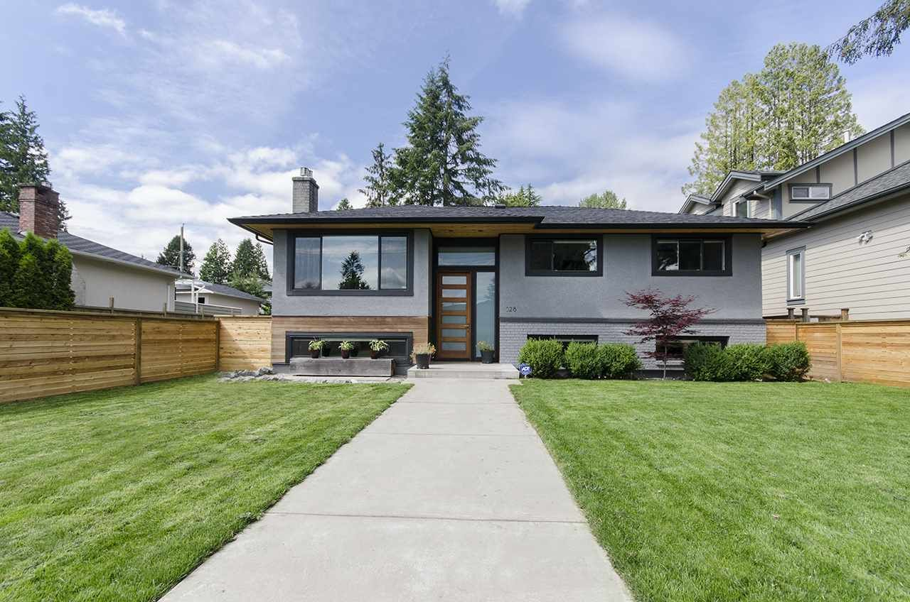 Main Photo: 328 E 22ND Street in North Vancouver: Central Lonsdale House for sale : MLS®# R2084108