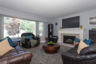 """Photo 4: 19944 36A Avenue in Langley: Brookswood Langley House for sale in """"Brookswood"""" : MLS®# R2283997"""