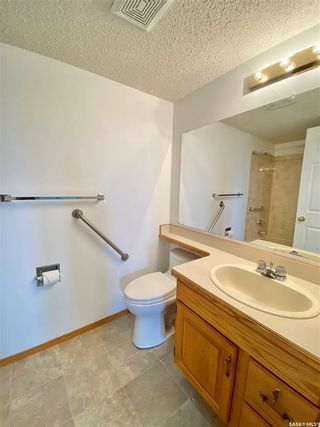 Photo 31: 203 101 Semple Street in Outlook: Residential for sale : MLS®# SK865450