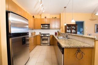 Photo 4: 203 14 E ROYAL Avenue in New Westminster: Fraserview NW Condo for sale : MLS®# R2618179