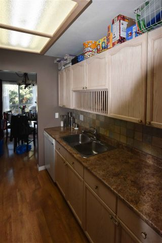 """Photo 8: 207 20350 54 Avenue in Langley: Langley City Condo for sale in """"Coventry Gate"""" : MLS®# R2205641"""